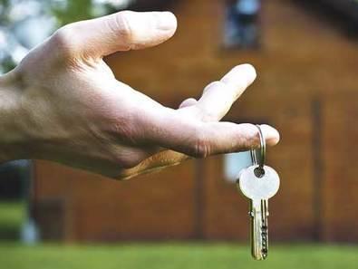 Si ha alquilado una vivienda vacacional, ¿cómo debe declararlo en su Renta?