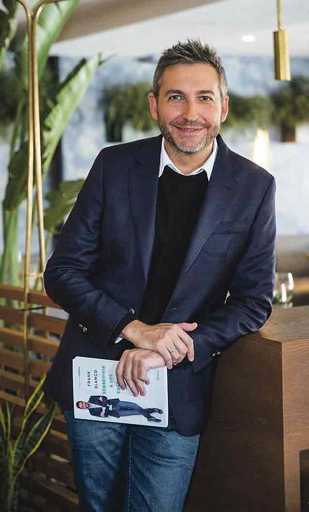 El nuevo libro del presentador Frank Blanco, 'Sobrevivir a los cuarenta', retrata esta década desde el punto de vista masculino.