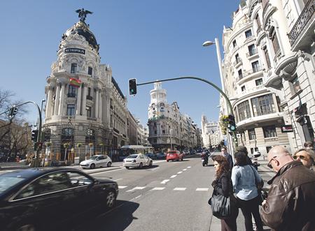 El primer tramo de la Gran Vía es el más señorial y uno de los rincones más retratados de la ciudad.