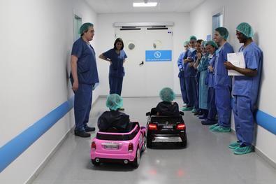 Los niños accederán al quirófano del Infanta Elena en sus coches eléctricos teledirigidos.
