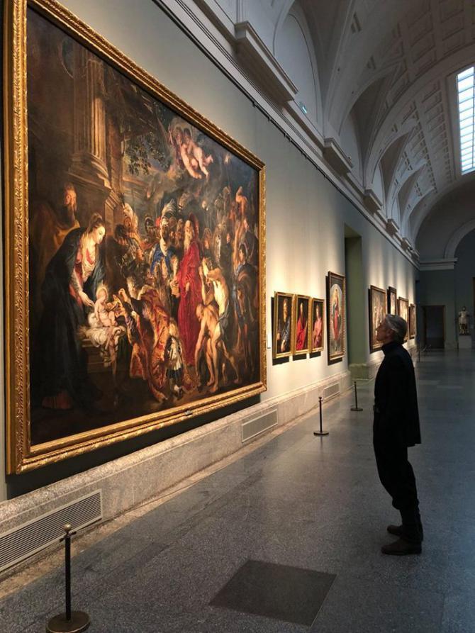 Jeremy Irons se transforma en un guía de lujo por las salas del Museo del Prado