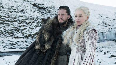 Gran parte de las apuestas sobre el final de la serie involucran a Daenerys y a Jon, o sólo a uno de los dos. Ambos son los más que probables candidatos a ser Azor Ahai, el príncipe que fue prometido para librar la última gran guerra contra la oscuridad y el invierno.