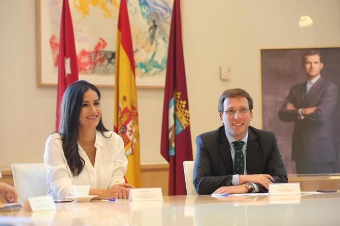 José Luis Martínez Almeida y Begoña Villacís formarán un gobierno en minoría en el Ayuntamiento.