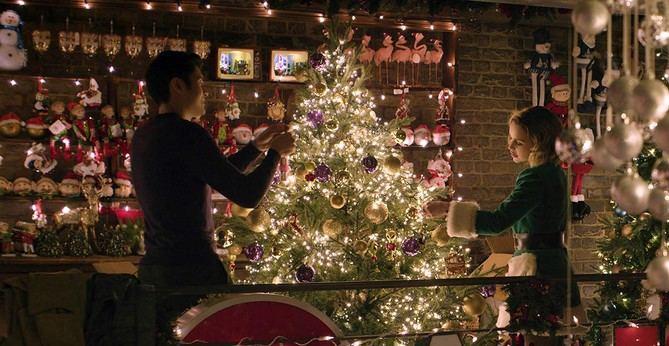 El próximo 29 de noviembre llega a nuestras pantallas una de las comedias románticas del año, 'Last Christmas', con la intención de destronar a 'Love Actually' como la gran película de amor ambientada en las navidades.