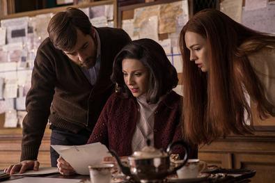 La trama se centra en la historia de la separación de Claire y Jamie y cuenta lo que ocurre desde que ella llega hasta que, 20 años después, descubre, junto a su hija ya crecida, que Jamie sobrevivió a la batalla de Culloden.