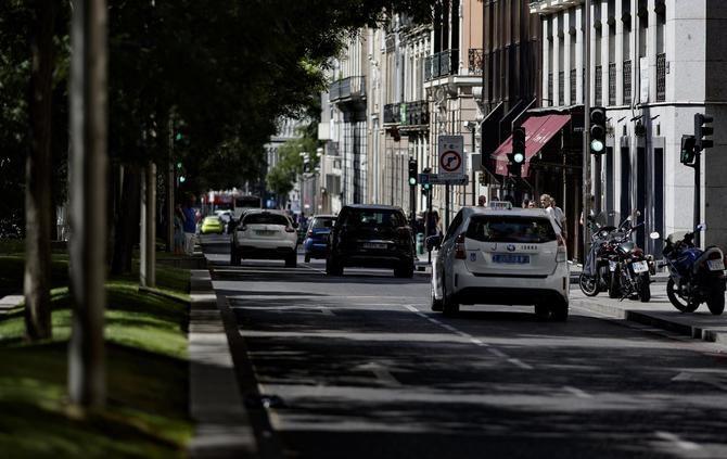 El Ayuntamiento ampliará las aceras de los primeros tramos del paseo de Recoletos.