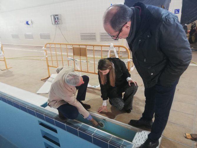 Los concejales del PSOE Ramón Silva y Mar Espinar visitaron las obras.