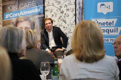 Almeida insiste en el distrito de Salamanca