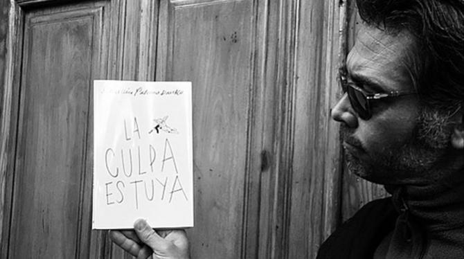 Con esta arrolladora primera novela, Sebastian Palomo Danko nos ofrece un divertido y sincero recorrido por el mundo de los sentimientos.
