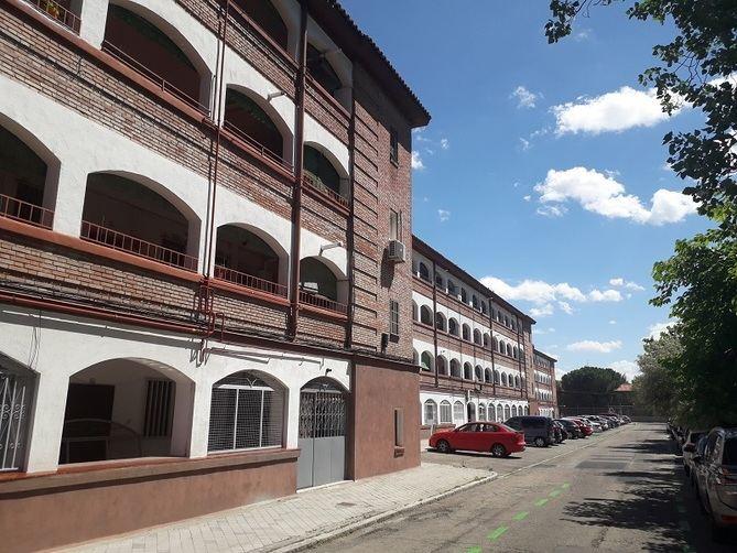 En la colonia de San Cristóbal los bloques de edificios se desplazaron unos respecto a otros para evitar la monotonía y crear espacios públicos.