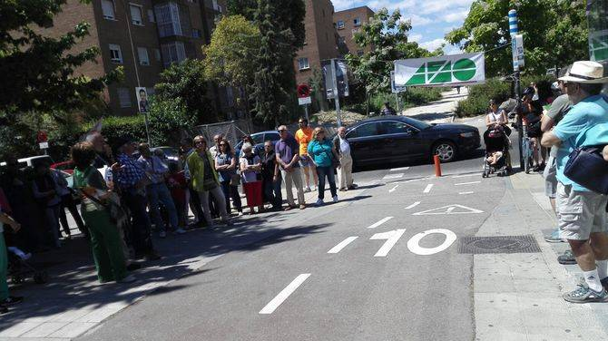 Los vecinos de Barajas reclamaron que se termine por fin la Vía de la Gasolina.